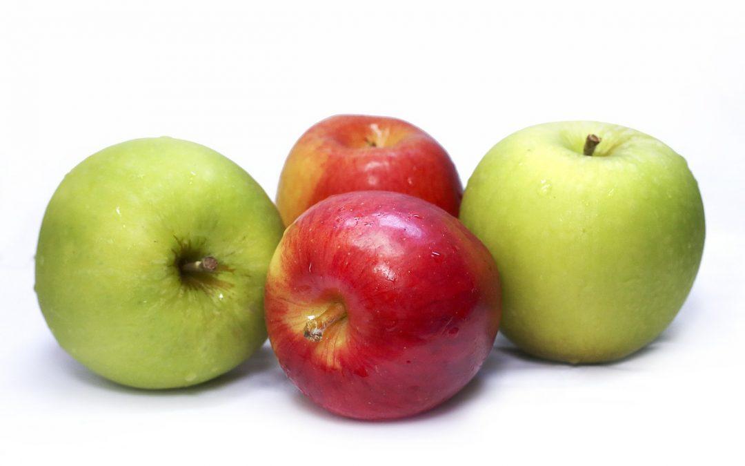 Apples & Blackberries (plus Apple & Blackberry Crumble recipe)